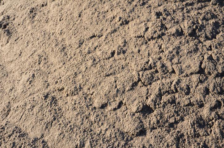 Tuingrond |Dit is gecomposteerde grond welke gezeefd wordt met vulzand erdoor. De ideale grond voor uw tuin!
