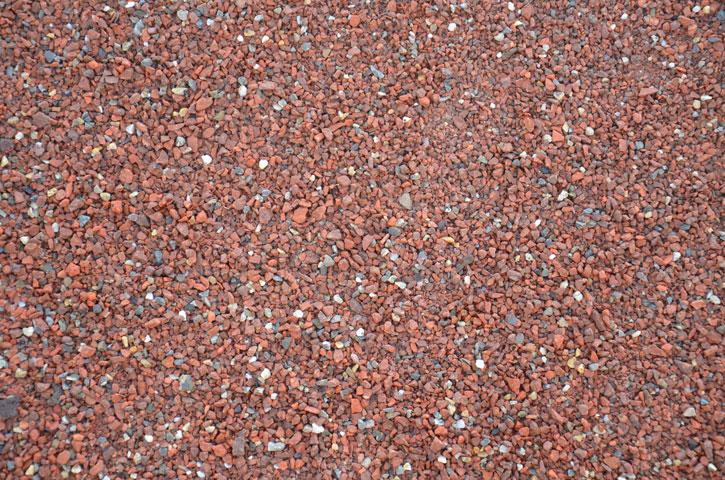 Gebroken puin |Te gebruiken voor uw oprit of tuinpad. Voor beschikbaarheid neemt u contact op met de groenrecyling.